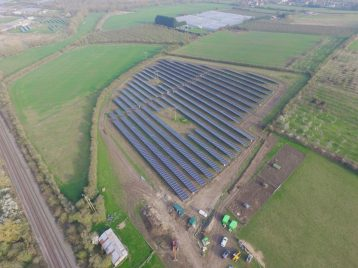 Solarpark-England1-web (1)