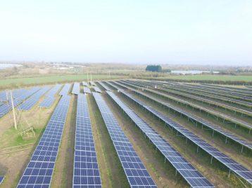 Solarpark-England3-web (1)