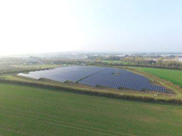 Solarpark England4-web (1)